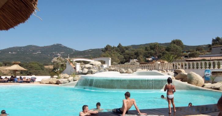 Location camping propriano camping le tikiti for Camping avec piscine corse du sud